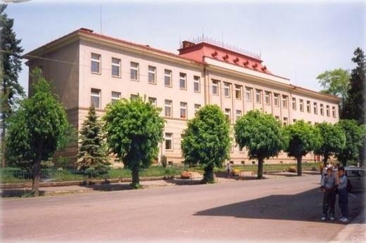 667580fe208 Budova školy před rekonstrukcí.jpg. Historie školy